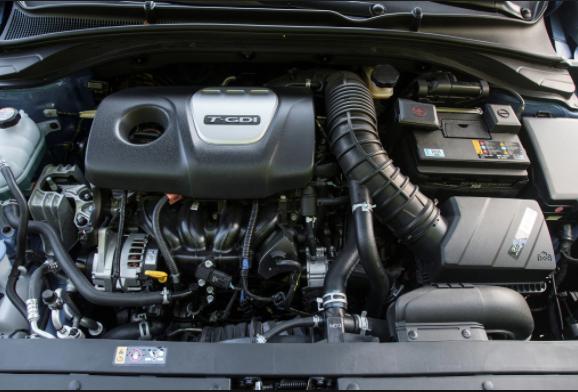 2019 Hyundai Elantra engin
