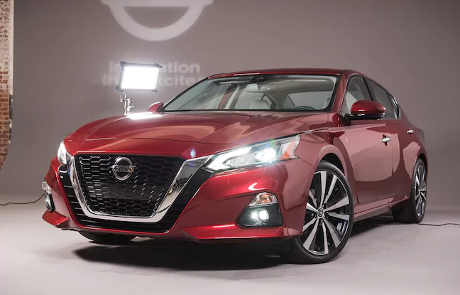 2019 Nissan Altima Front View