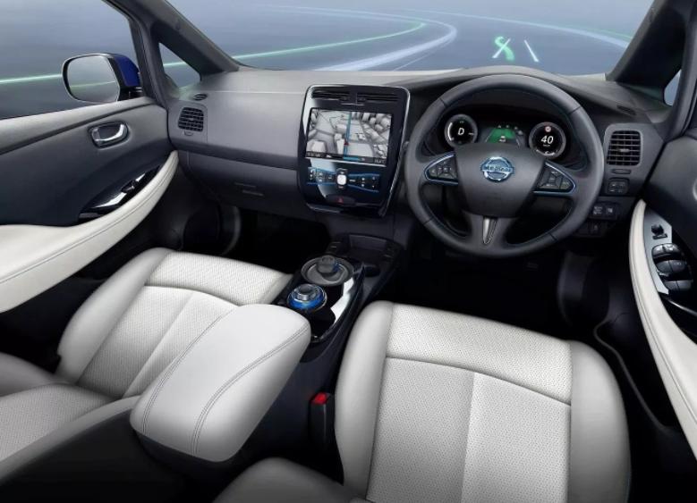 2019 Nissan LEAF Entertainment System