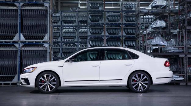2019 Volkswagen Passat Exterior