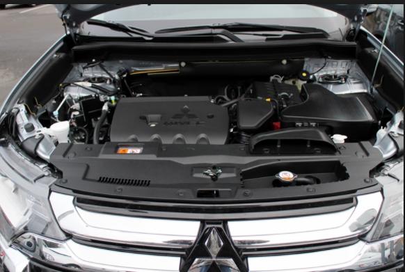2019 Mitsubishi Outlander engine