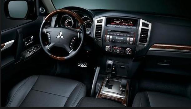 2019 Mitsubishi Shogun interior