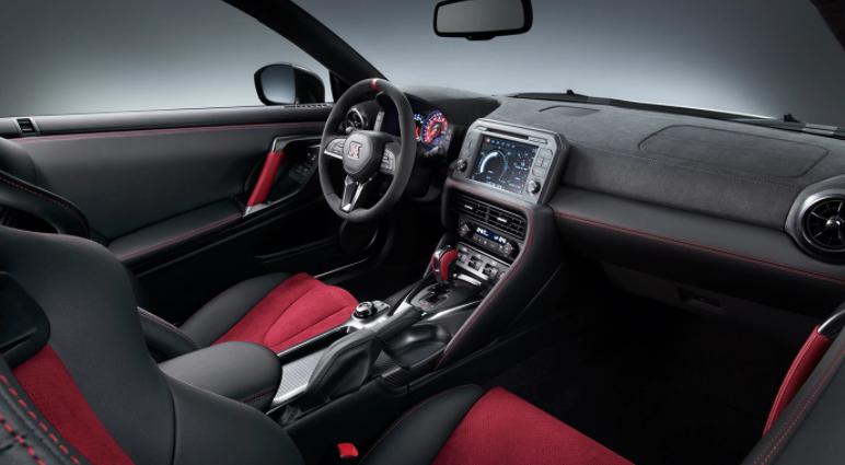 2019 Nissan GT-R Dashboard