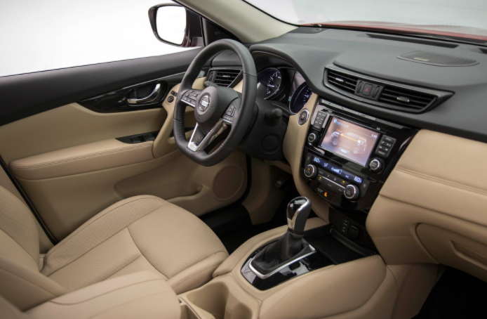2019 Nissan Rogue Dashboard and Navigation System