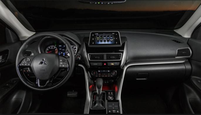 2020 Mitsubishi Eclipse interior