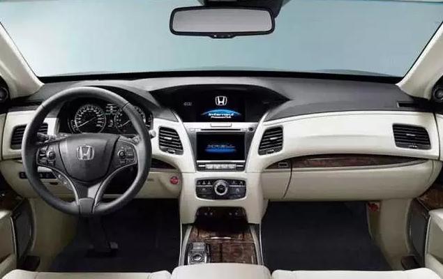 2019 Honda Legend Interior