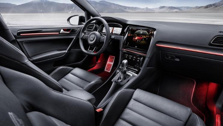 2019 Volkswagen Golf Interior