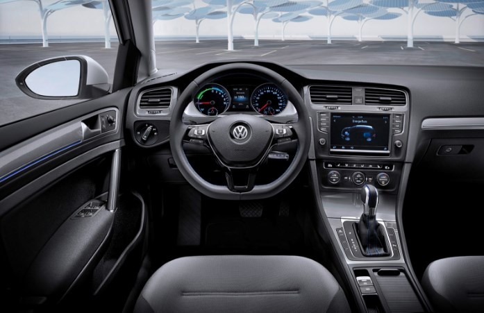 2020 VW Egolf Interior