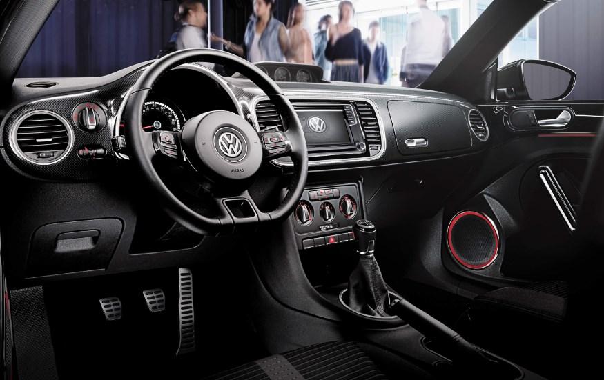 2020 VW Beetle Convertible Interior
