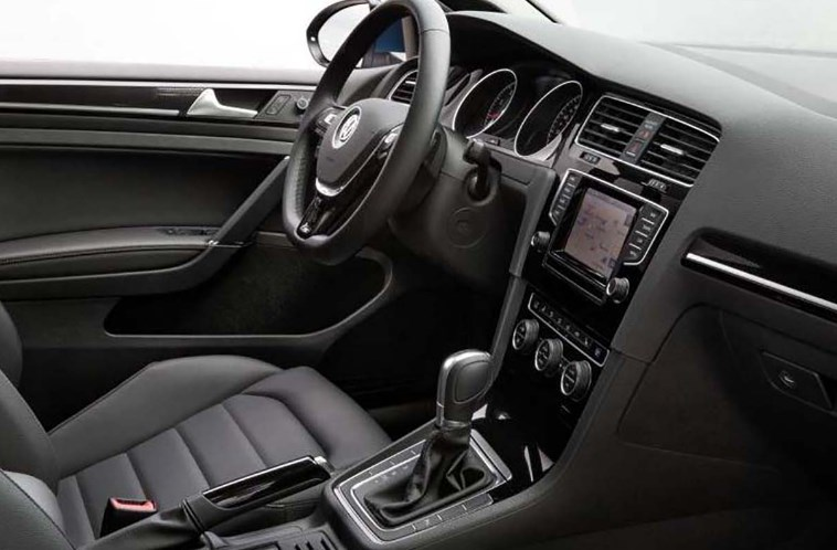2020 VW Golf SportWagen Interior