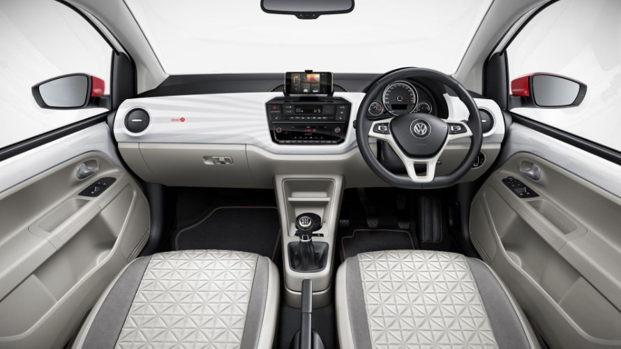 Volkswagen UP 2020 Interior