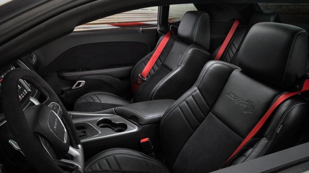 2019 Dodge Stratus Interior