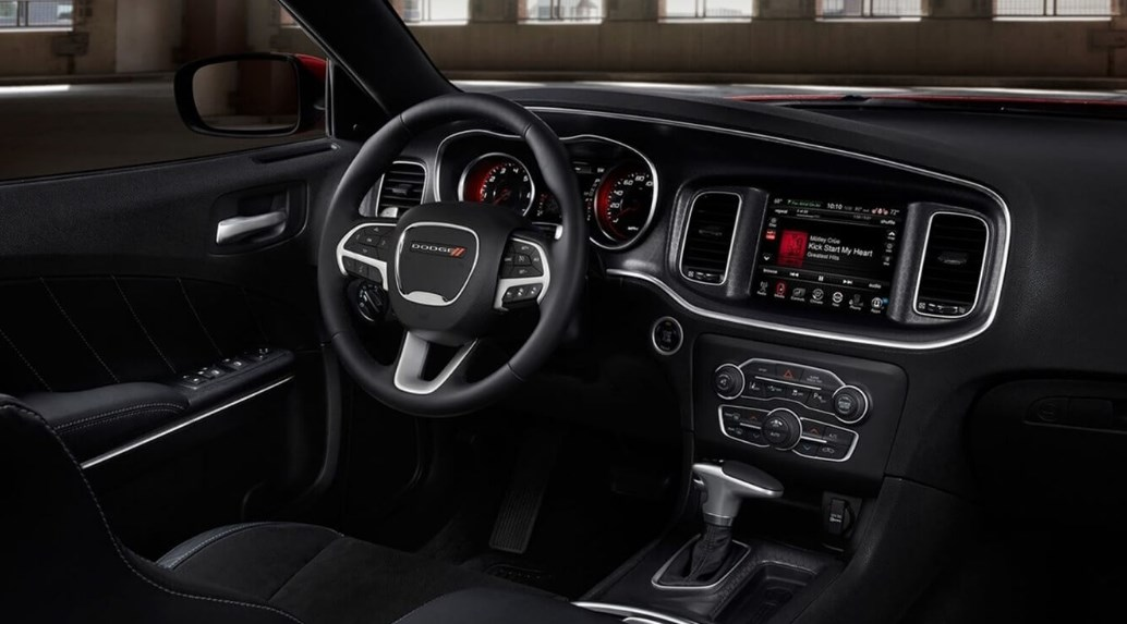 2020 dodge charger 392 Interior