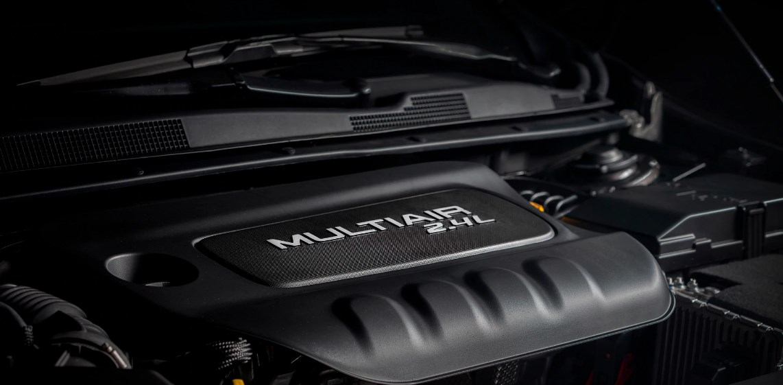 2019 Chrysler 200C Engine
