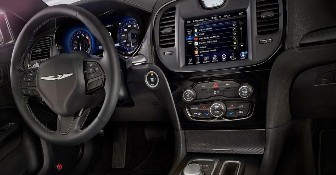 2019 Chrysler 200C Interior