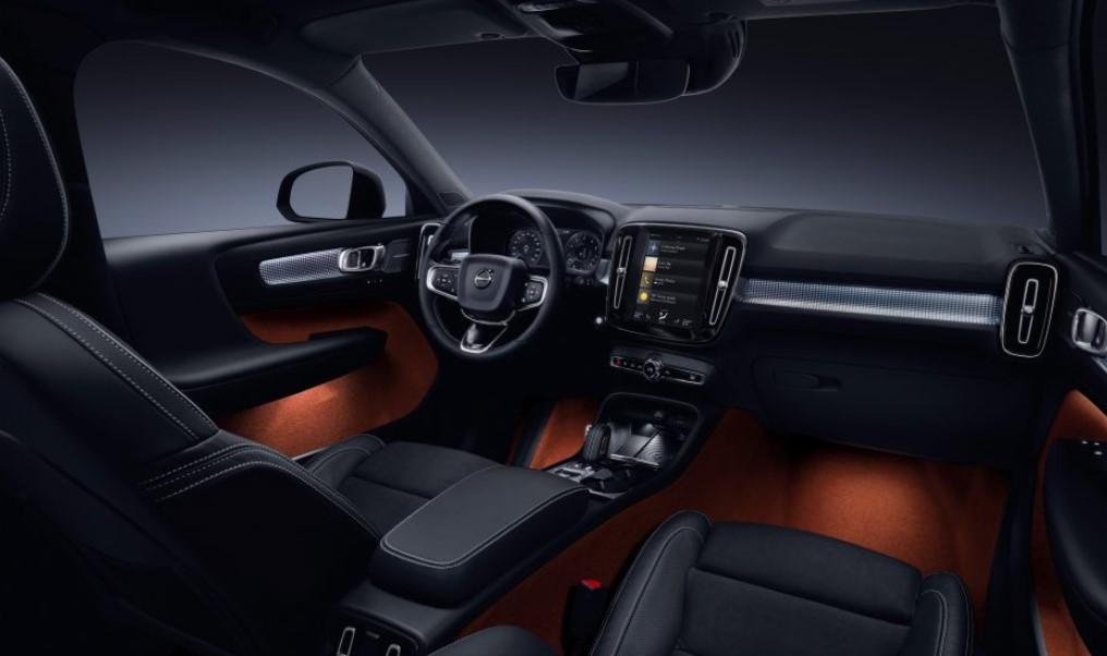 2019 Volvo V40 Interior