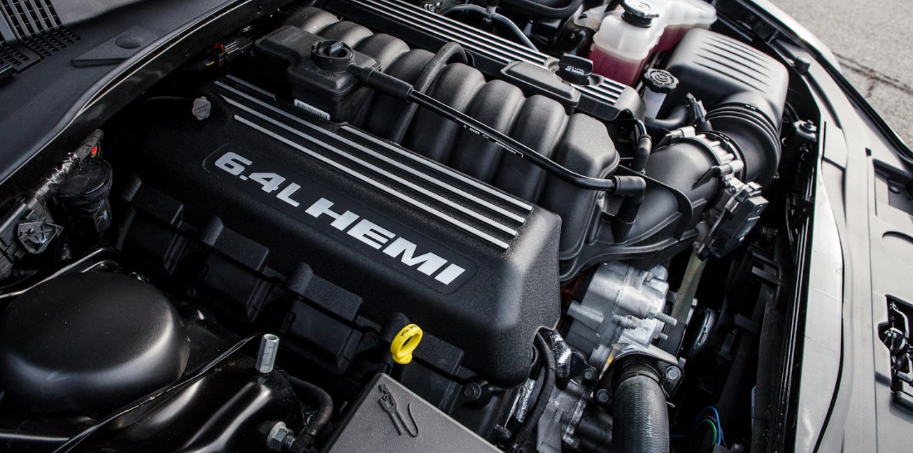 2020 Chrysler 300C Engine
