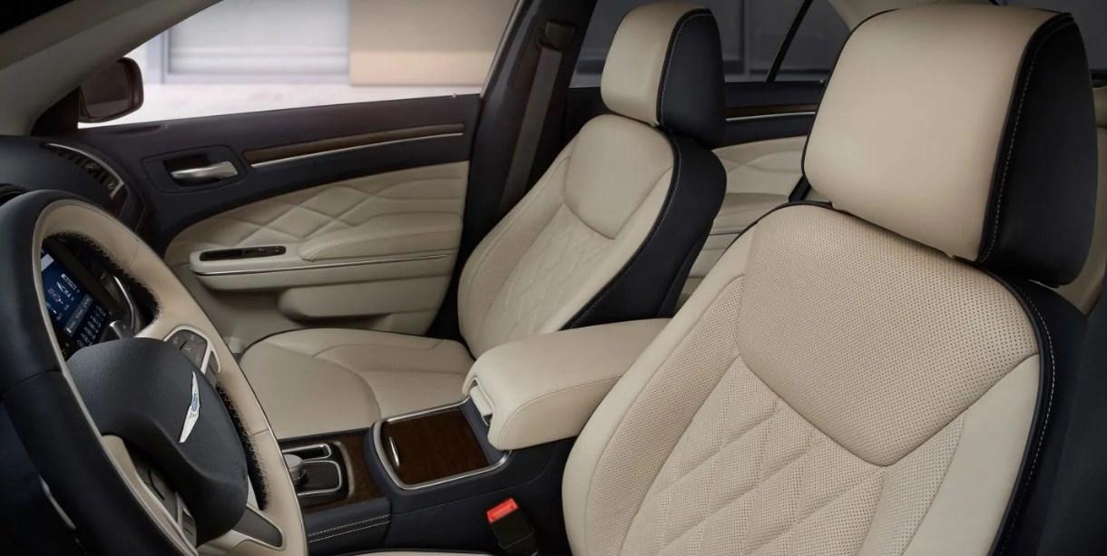 2019 Chrysler 300 Models Interior