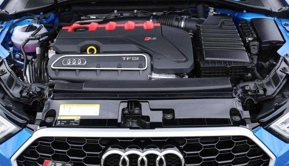 2020 Audi RS9 Engine