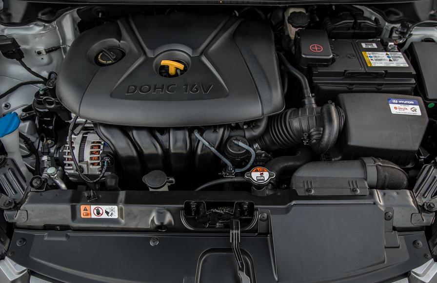 2020 Hyundai Elantra GT Sport Engine