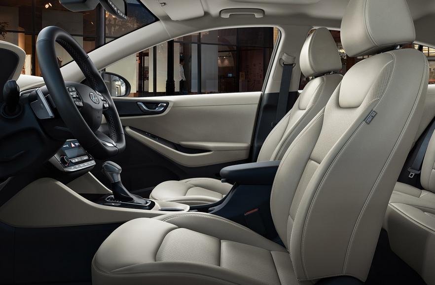 2020 Hyundai Grandmaster Interior