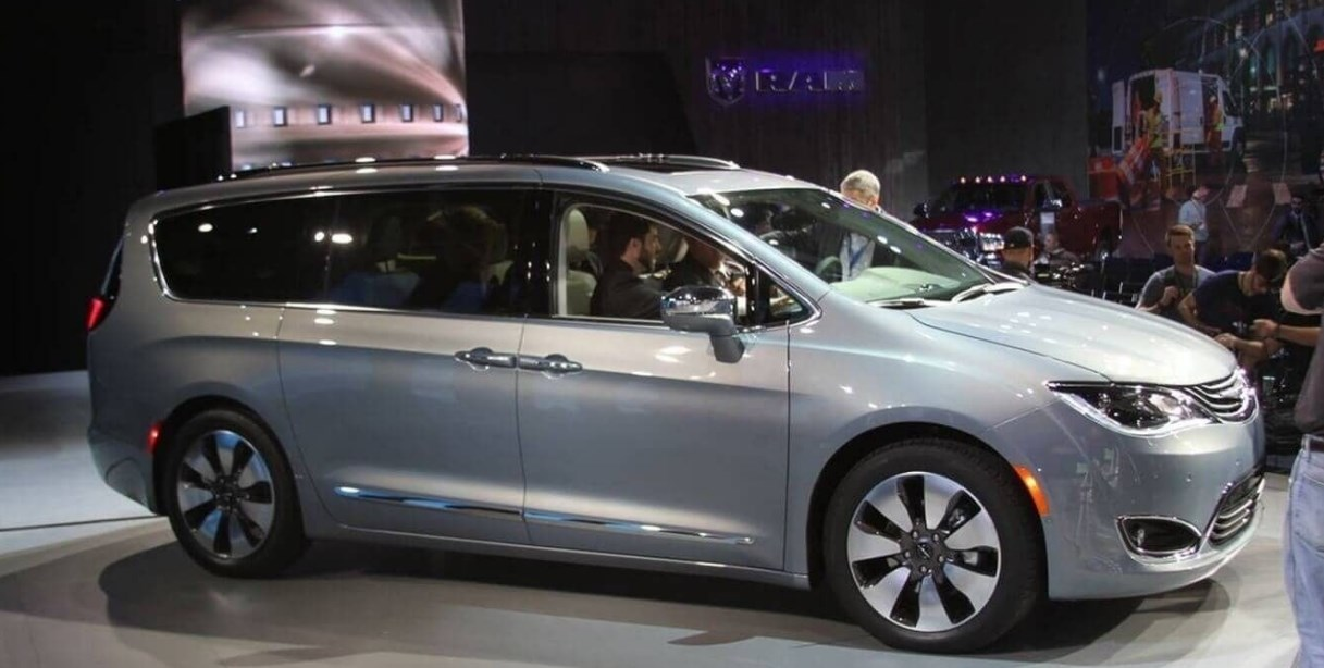 2019 Chrysler Caravan Exterior