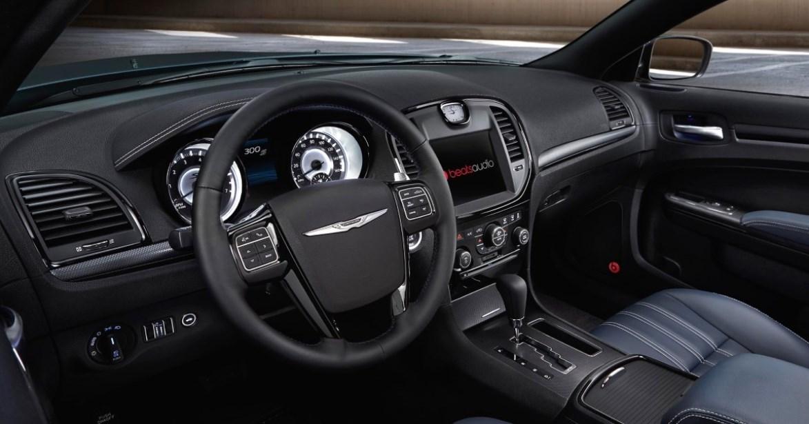 2019 Chrysler SRT8 Interior