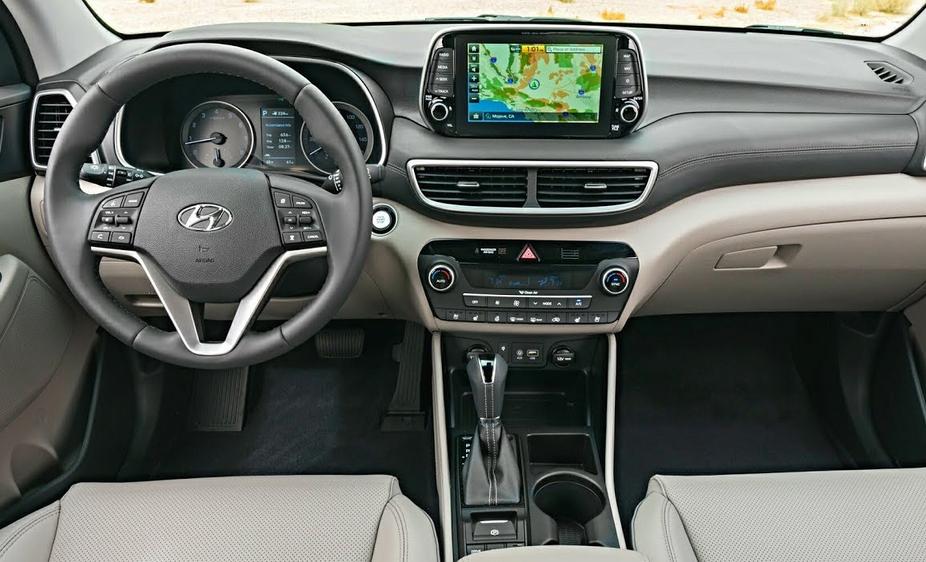 2019 Hyundai Tucson MPG Interior