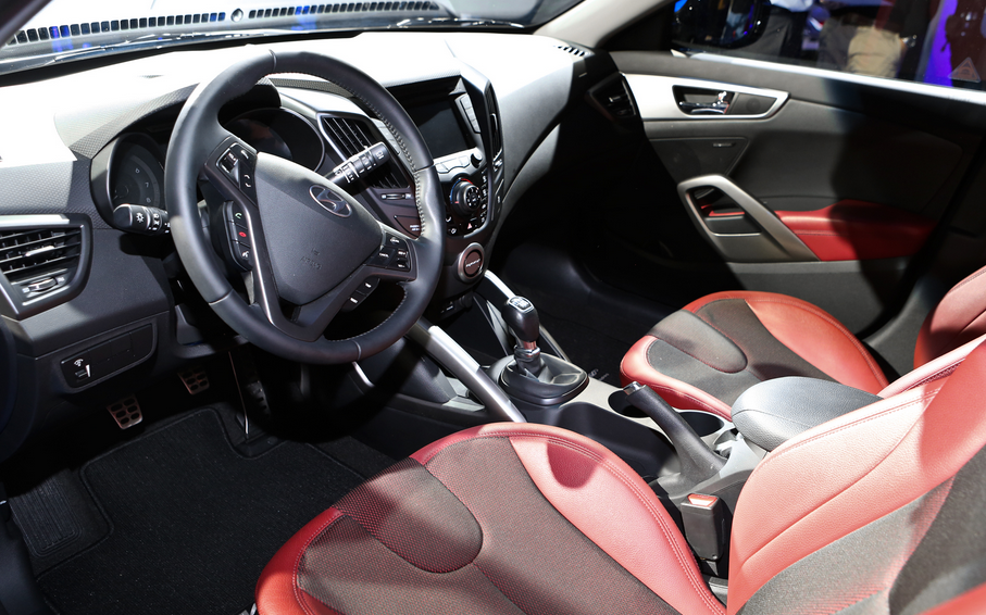 2019 Hyundai Veloster Turbo R-Spec Interior