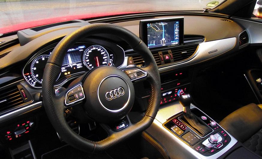 2020 Audi RS4 Interior