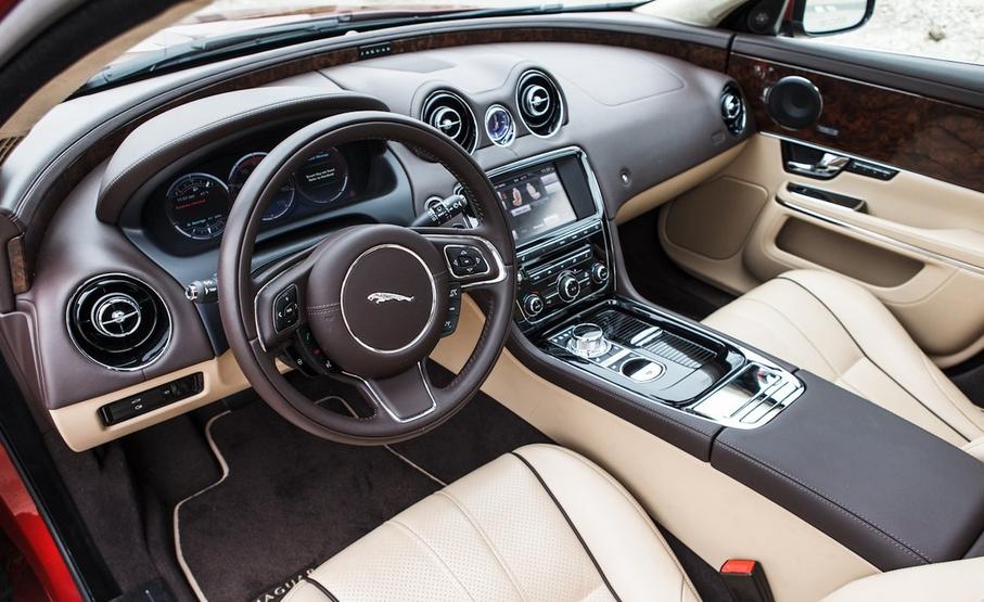 2020 Jaguar XJ Interior