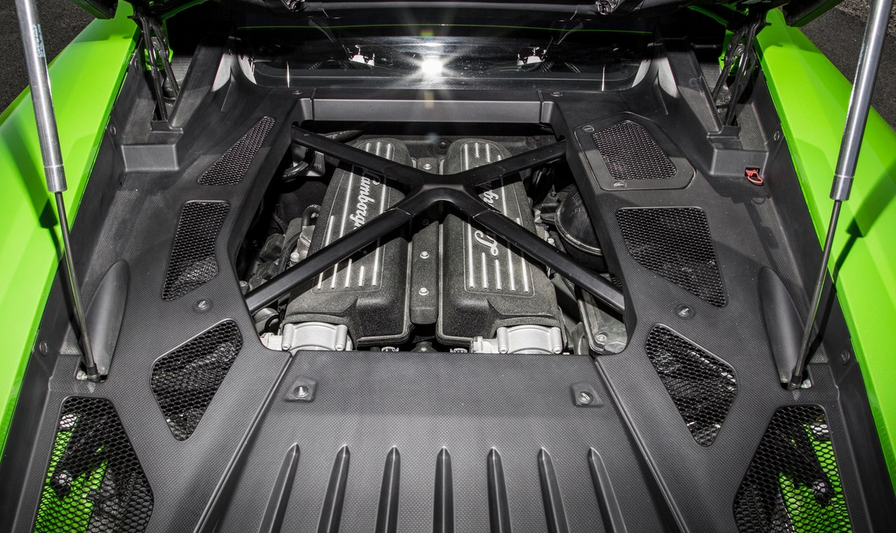2020 Lamborghini Huracan Engine