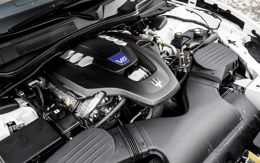 2020 Maserati Ghibli Engine