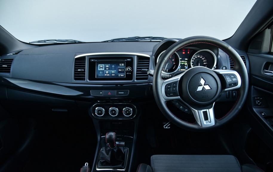 2020 Mitsubishi Lancer Interior