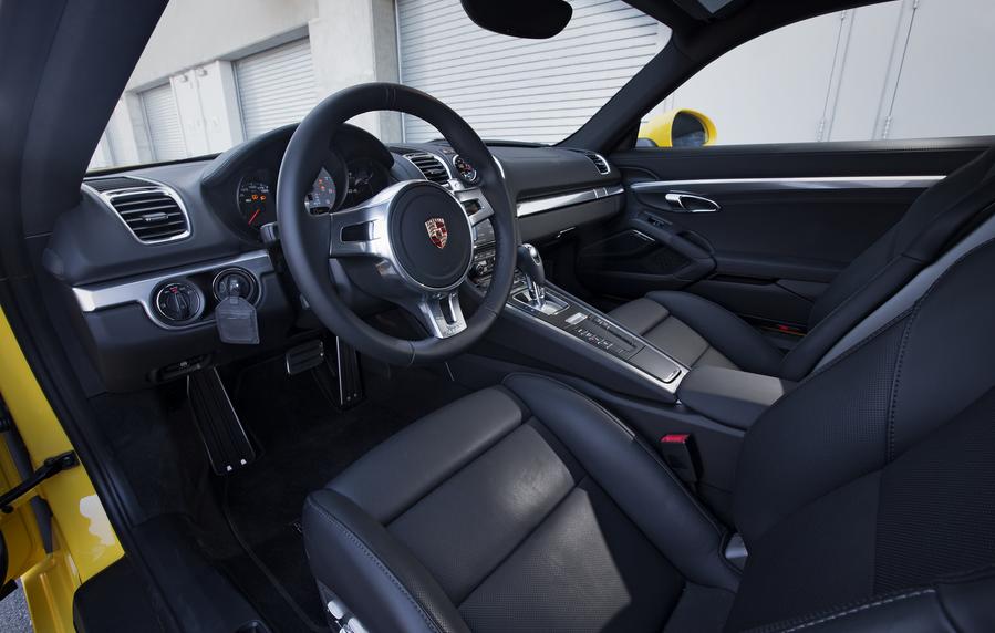 2020 Porsche Cayman Interior