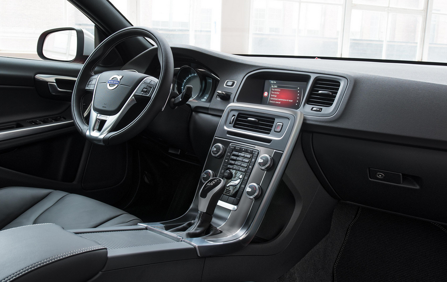 2020 Volvo S60 Interior