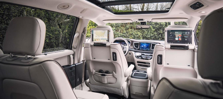 2019 Chrysler Hybrid Interior