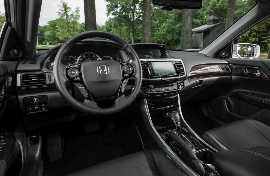 2020 Honda Accord Sport 2.0T Interior