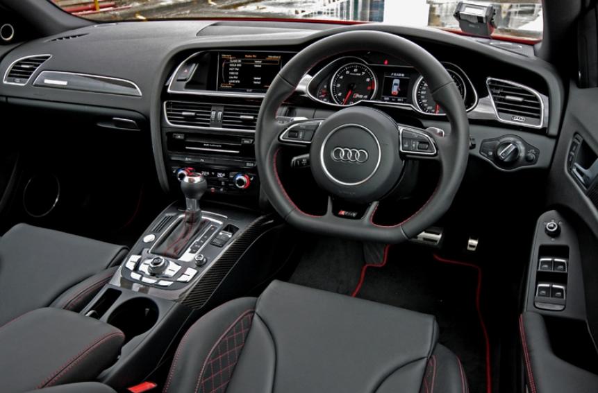 2021 Audi RS4 Interior