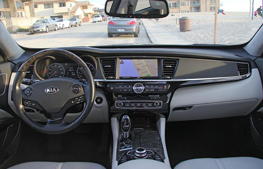 2021 Kia K900 Interior