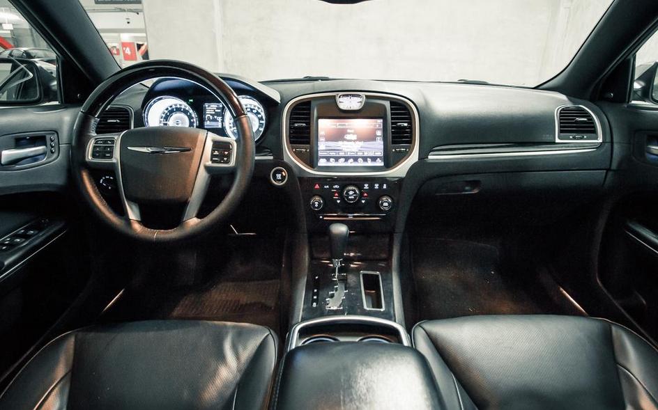 2021 Chrysler 300 Interior