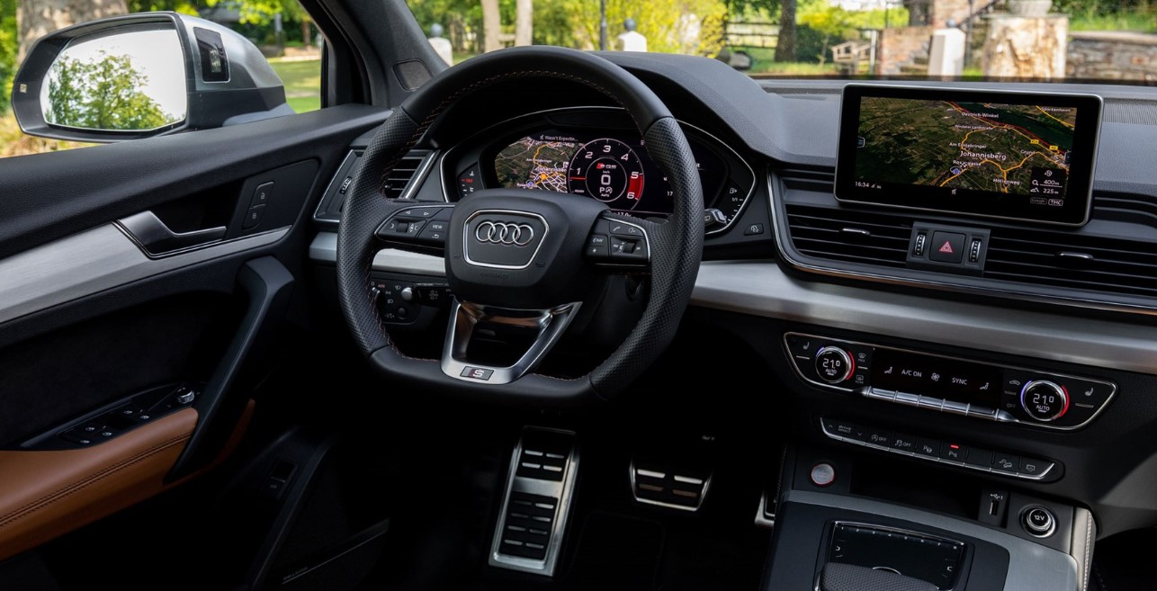 2020 Audi SQ5 Interior