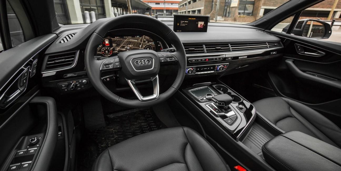 Audi Q7 2021 Interior