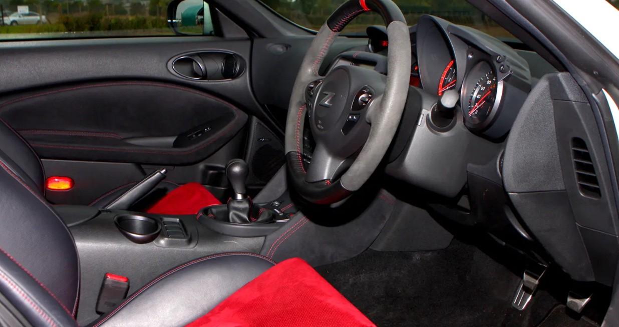 2020 Nissan 370Z Nismo Interior