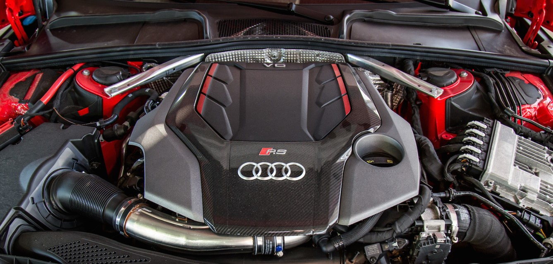 2021 Audi RSQ5 Engine