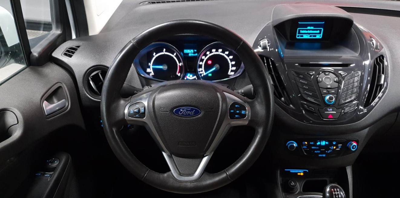 2021 Ford Courier Interior
