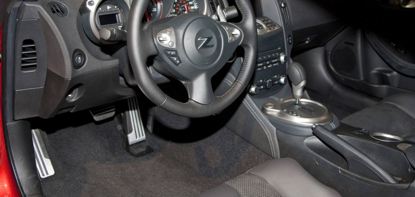 2021 Nissan 370Z Interior