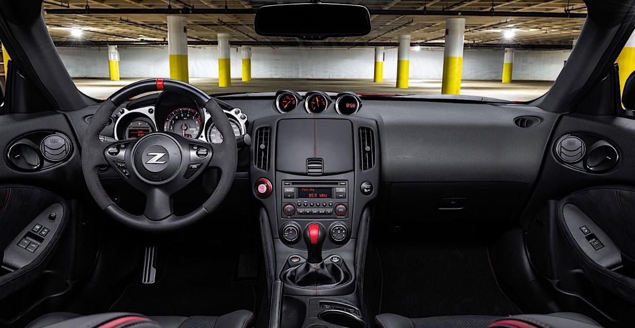 2021 Nissan 370Z Nismo Interior