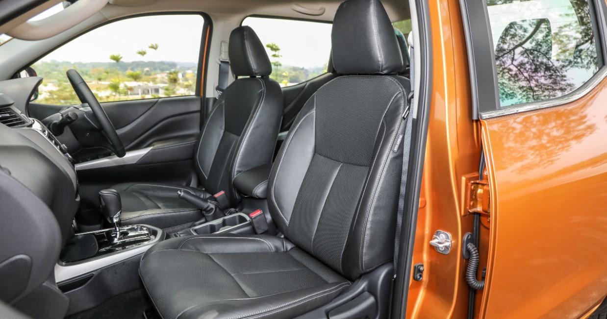 Nissan Navara 2021 Interior