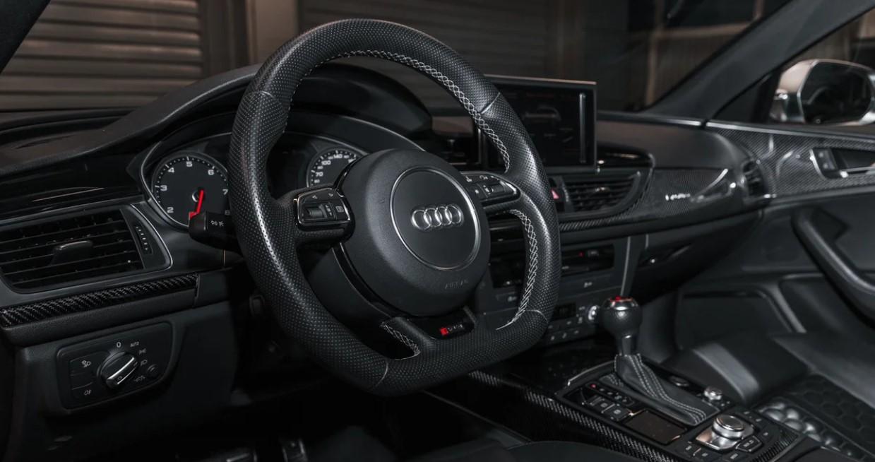 2020 Audi RS6 Interior